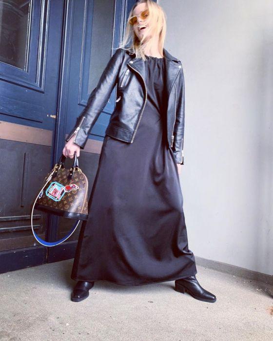 Verbazingwekkend Fashion & Furniture Lange jurk zwart met touwtje in de taille van NK-06
