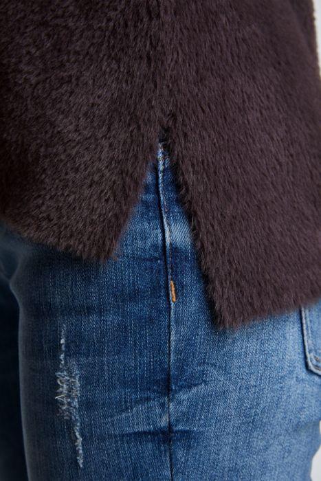 Fashion & Furniture Trui met ronde hals harig materiaal in