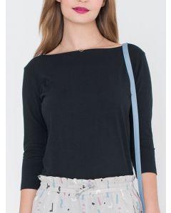 T-shirt Viv met boothals en driekwart mouw in zwart van Miss Green